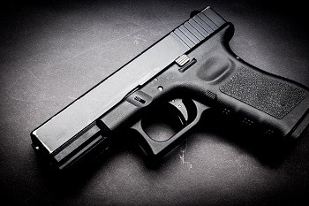 Glock 19 9mm Compact Semi Automatic Pistol