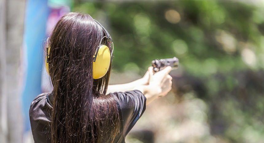Best Semi-Automatic Handguns (Pistols) for Women in 2019